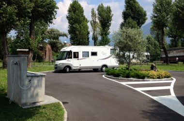 Area Sosta Camper Costa Volpino